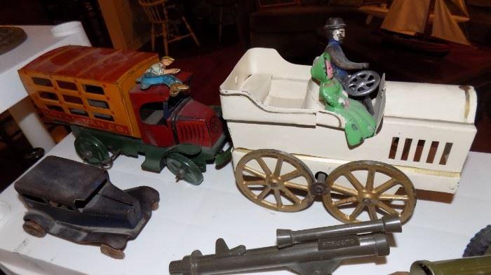 vintage cars/trucks