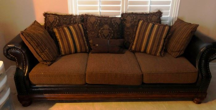 Excellent sofa with matching chair