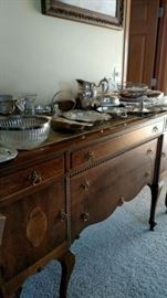 Vintage buffet - nice! Great details - nice for painting