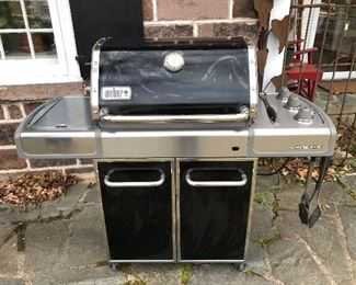 like new grill WEBER with side burners/ also a cover
