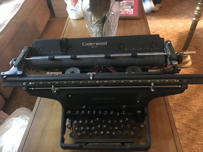 Underwood manual typewriter -