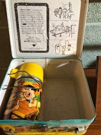 VINTAGE 1964 THE FLINTSTONES LUNCHBOX W/ MATCHING THERMOS