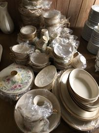 Check out this extensive collection of beautiful Lenox Flower Song pattern - you could entertain a HUGE crowd with this gorgeous, elegant  china.