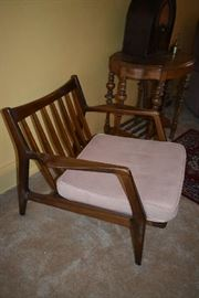 SIDE OF CHAIR (COMES WITH 2 CUSHIONS)