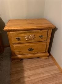 2-Drawer Pine Nightstand Single	26x28x17inH
