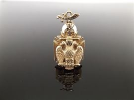 Large 22.7g 10k Yellow Gold Masonic Knights Templar Pendant