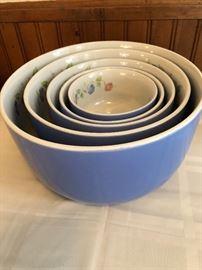 "Hall 1930's ""Morning Glory"" Nesting Mixing Bowls     set of 5"