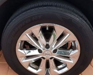tires with lots of wear left