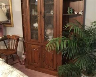 Great china cabinet with storage in bottom