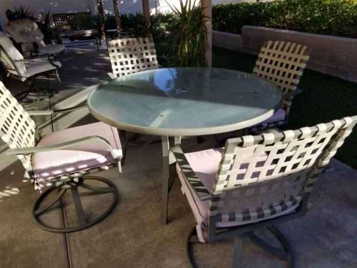 Samsonite Patio Table and Chairs