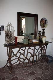 Laurelwood Table