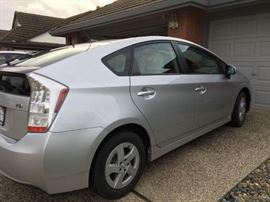 Toyota Hybrid Prius 2011 less than 51,000 miles, Pristine well cared one-owner car.