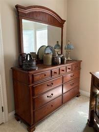 Lane 9-drawer dresser