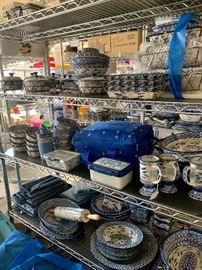 Tons of Temptaions cookware/serving pieces/dinnerware ....most never used!!