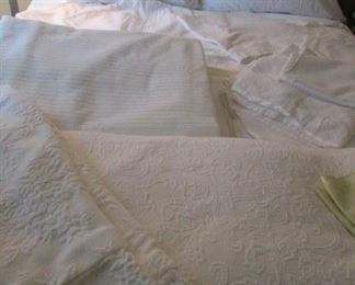 Full size bedding & bed