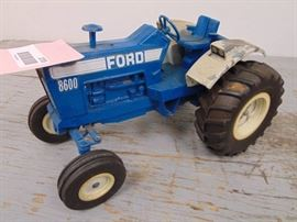 Die Cast Ford 8600 Toy Tractor