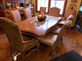AMAZING DINING SET WITH 8 CHAIRS