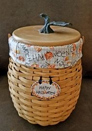 "Longaberger 2000 Century Celebration Autumn Fields Basket @ $35 Classic stain wood lid with bronze metal leaf knob Swing handle. Approx 7""W X 10""H."