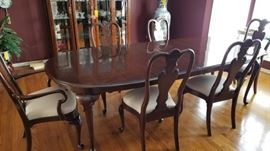 Mahogany Dining Table with Extra Leaves and Pds