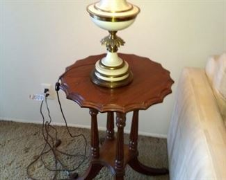 Duncan Fife Scalloped End Table