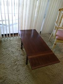 Expandable Coffee Table