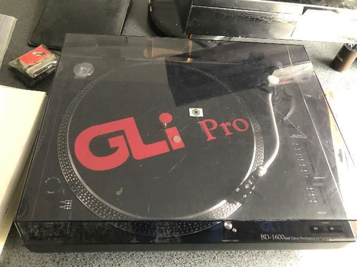 GLi Pro BD1600 Belt Drive Professional Turntable System