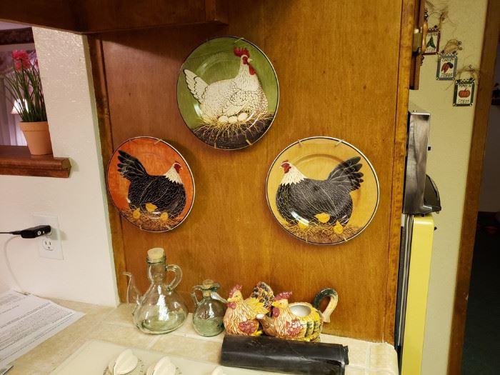 Three hen plates