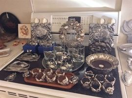 CRAB THEMED KITCHEN WARES