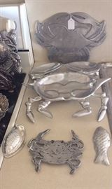 CRAB THEMED SERVING DISHES