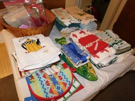 Lots of kitchen linens