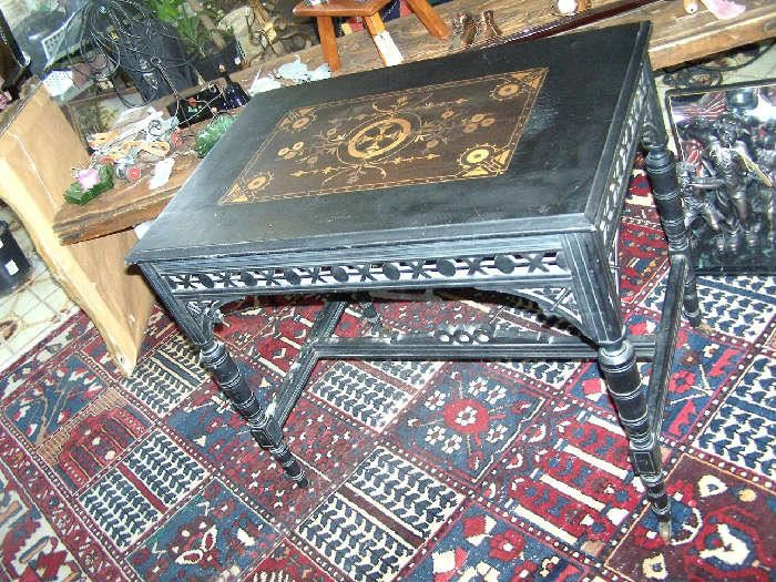 Victorian Aesthetic Table