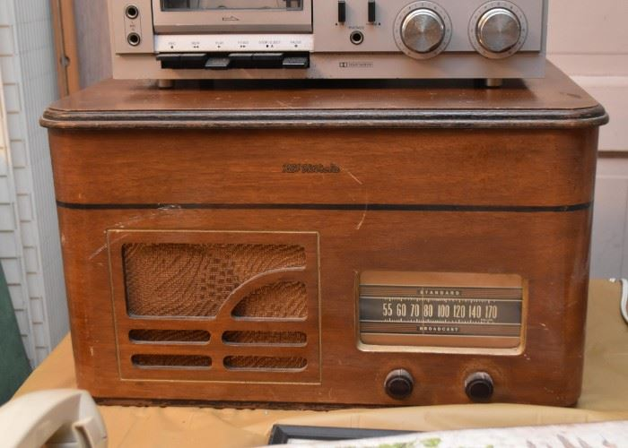 Vintage RCA Victrola Radio