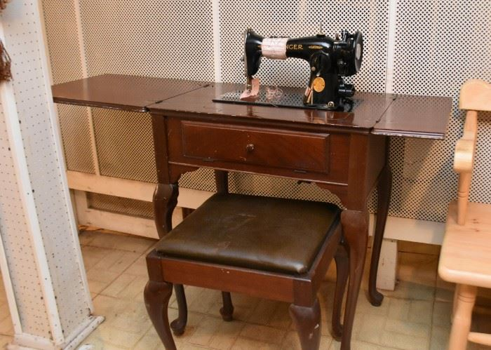 Vintage Singer Sewing Machine with Cabinet & Bench