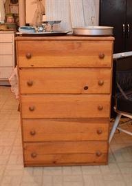 Pine Dresser / Bureau / 5-Drawer Chest