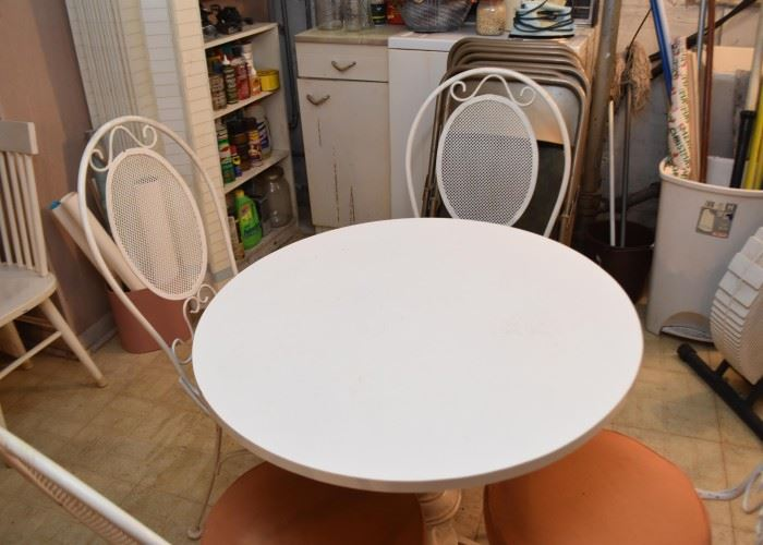 Dining Table & 4 Chairs (White Metal Chairs & Table Base)