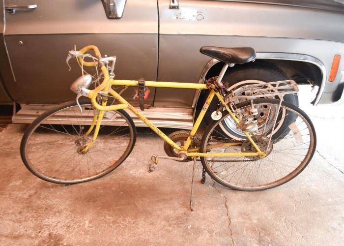 Vintage Schwinn Bike / Bicycle