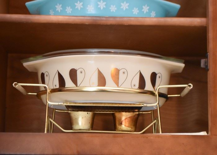 Vintage Casserole with Warming Stand