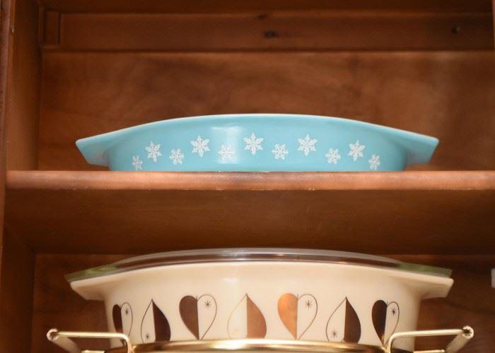 Pyrex Snowflake Casserole Dish