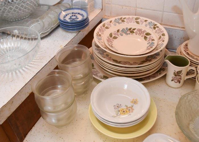 Dinnerware & Serving