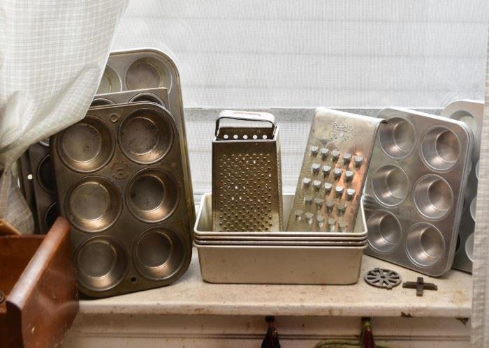 Muffin / Cupcake Tins, Baking Pans, Shredders
