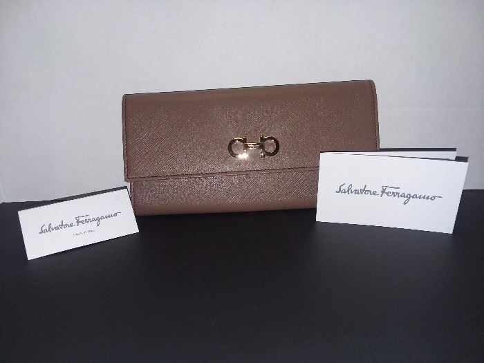 Salvatore Ferragamo Wallet (BRAND NEW!)