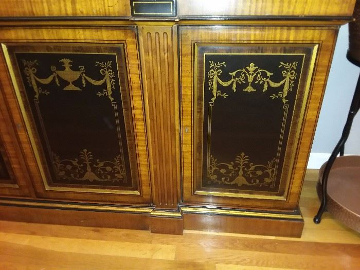 China Cabinet Door Detail