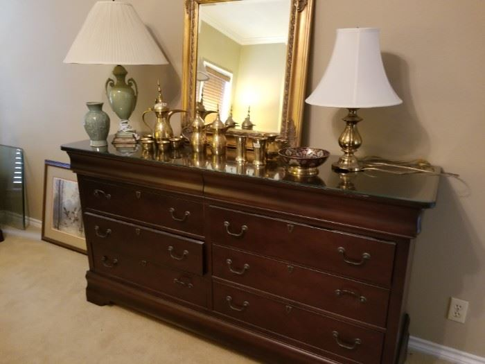 Great dresser with lots of storage