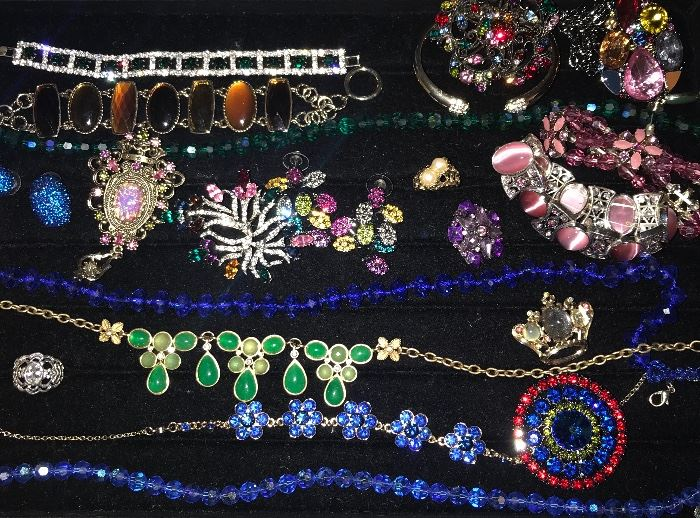 BEAUTIFUL COSTUME JEWELRY