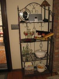 bakers' rack