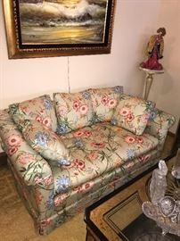 VINTAGE HENREDON FLORAL LOVE-SEAT