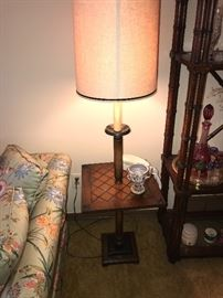 VINTAGE FLOOR LAMP WITH TABLE