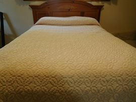 full size pink bedspread