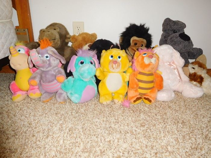 5 wuzzles and friends