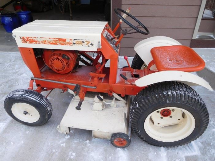 Vintage Gilson lawnmower, runs great